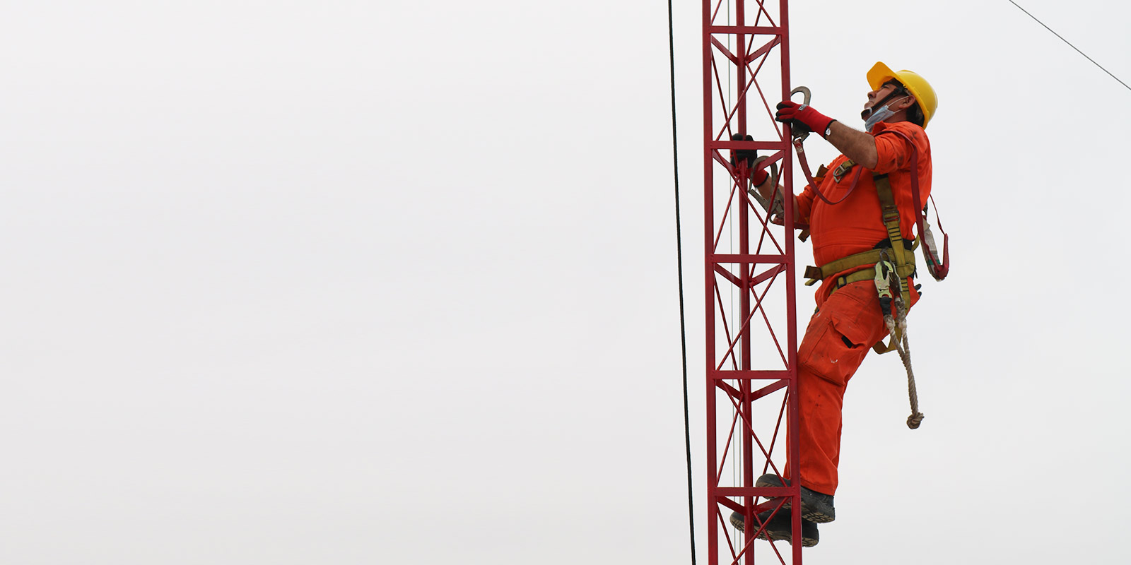 Donación de Sistema de Comunicación ante emergencias en altamar